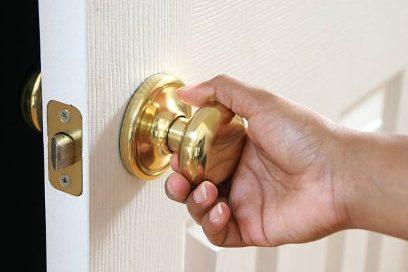 locksmith fix Doorknob